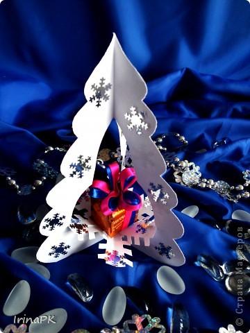 Внутри снежинка - место для подарка-сувенира. фото 1