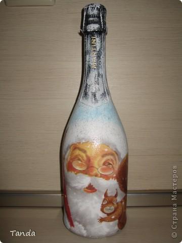 Новогодняя бутылка с Сантой и белочкой фото 1