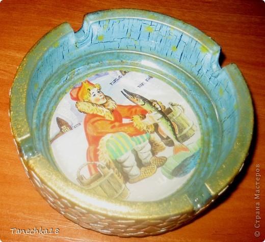 Нужный подарок курящему мужчине! :)) Пепельница пока без лака, а то и так сложно фотографировать. фото 2