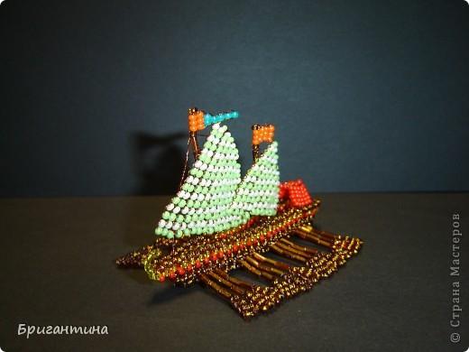 Это мой 10 кораблик и второй гребной (еще была трирема http://stranamasterov.ru/node/112190) Галера — гребной военный корабль с одним рядом вёсел и двумя-тремя мачтами с треугольными и прямыми парусами, которые использовались в качестве дополнительного двигателя. фото 4
