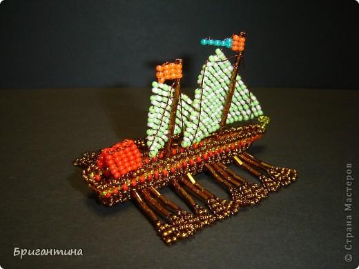 Это мой 10 кораблик и второй гребной (еще была трирема https://stranamasterov.ru/node/112190) Галера — гребной военный корабль с одним рядом вёсел и двумя-тремя мачтами с треугольными и прямыми парусами, которые использовались в качестве дополнительного двигателя. фото 2