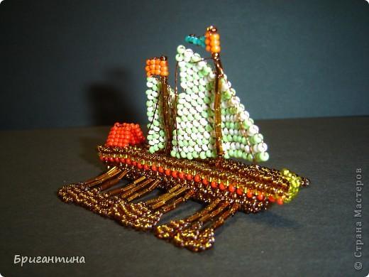 Это мой 10 кораблик и второй гребной (еще была трирема http://stranamasterov.ru/node/112190) Галера — гребной военный корабль с одним рядом вёсел и двумя-тремя мачтами с треугольными и прямыми парусами, которые использовались в качестве дополнительного двигателя. фото 1
