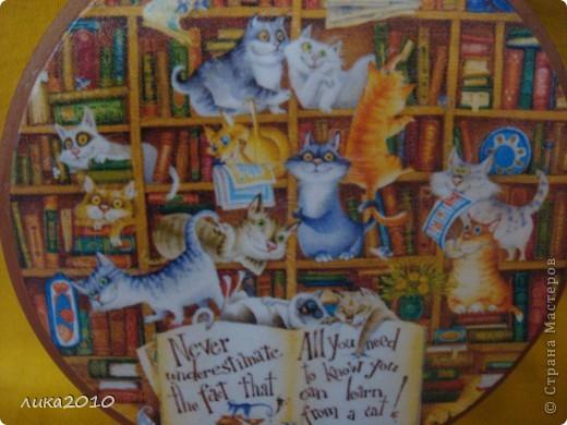 Вот котейки наелись  на кухне ( https://stranamasterov.ru/node/119108 ) и направились в библиотеку вкушать пищу духовную! фото 2