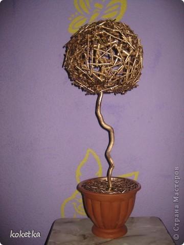 Вот такое интересное деревце я  сделала. Надеюсь что я первая придумала такое, но если у кого уже есть что-то похожее то извините.  фото 2