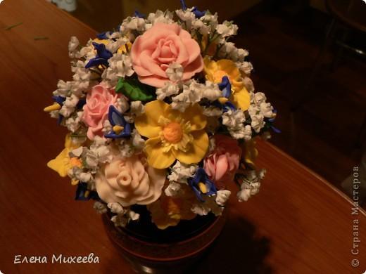 Давно хотела попробовать сделать цветы из пластика. Вынашивала эту идею долго, все ждала подходящего настроения... И вот это случилось!!! Сделала этот букетик за один день! Ну очень захотелось!!! фото 3