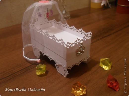 вот ребенок попрасил сделать маленькую кроватку , для куколок,Сделала, теперь требует всю спальню сделать, зеркало, стол, стулья. фото 3