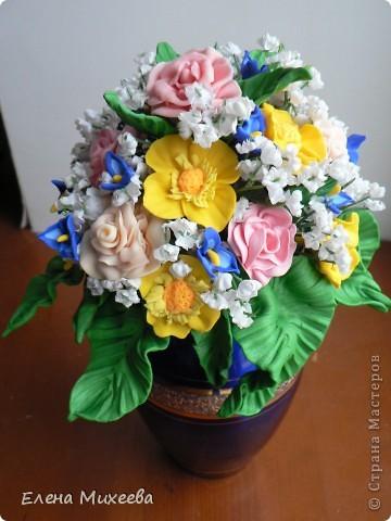 Давно хотела попробовать сделать цветы из пластика. Вынашивала эту идею долго, все ждала подходящего настроения... И вот это случилось!!! Сделала этот букетик за один день! Ну очень захотелось!!! фото 6