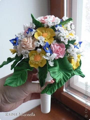 Давно хотела попробовать сделать цветы из пластика. Вынашивала эту идею долго, все ждала подходящего настроения... И вот это случилось!!! Сделала этот букетик за один день! Ну очень захотелось!!! фото 5