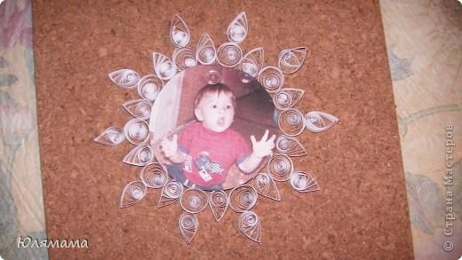 Вт школе для малышей нам (мамам) дали задание оформить фото малыша в новогоднем стиле. Вот что у меня получилось. С одной стороны... фото 1
