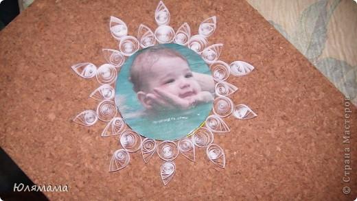 Вт школе для малышей нам (мамам) дали задание оформить фото малыша в новогоднем стиле. Вот что у меня получилось. С одной стороны... фото 2
