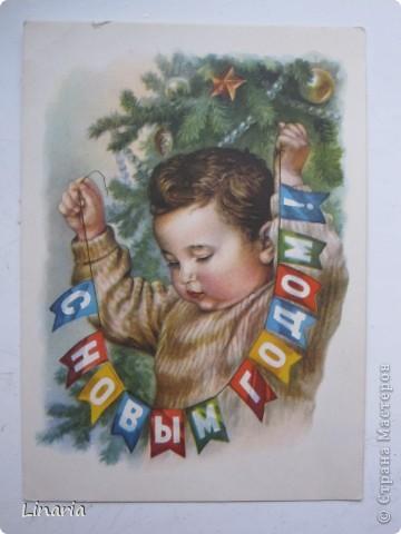 на днях разбирала новогодние открытки и решила поделиться с вами самыми старыми из моих запасов. Начну с двух старинных. Им почти 100 лет. Напечатаны в Германии (специально для России) в начале прошлого века. На почтовых штемпелях 1912 и 1913 г.г.Авторы рисунков не указаны. Эти открытки подарила моей бабушке ее подруга, когда им было по 10 лет, так что в нашей семье они храняться уже более 75-и лет. фото 8