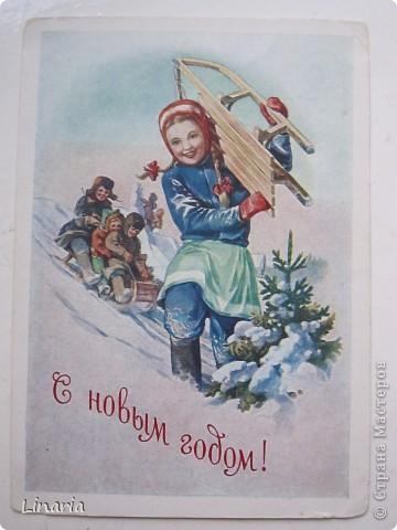 на днях разбирала новогодние открытки и решила поделиться с вами самыми старыми из моих запасов. Начну с двух старинных. Им почти 100 лет. Напечатаны в Германии (специально для России) в начале прошлого века. На почтовых штемпелях 1912 и 1913 г.г.Авторы рисунков не указаны. Эти открытки подарила моей бабушке ее подруга, когда им было по 10 лет, так что в нашей семье они храняться уже более 75-и лет. фото 7