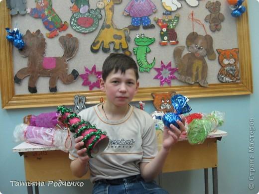 Эти игрушки мы приготовили на городскую ёлку. фото 6