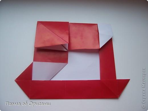 Автор выразительной модели Санты – Сано Сакаи из Японии. Я дополнила эту фигурку сложенной салфеткой и красным носом. В этом случае, персонаж стал чуть больше походить на нашего Деда Мороза. Для модели Деда Мороза и моделей оленей использованы  квадраты одинаковой величины. А вот для коробочек понадобятся квадраты ¼ от такого же размера. фото 19