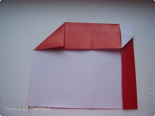 Автор выразительной модели Санты – Сано Сакаи из Японии. Я дополнила эту фигурку сложенной салфеткой и красным носом. В этом случае, персонаж стал чуть больше походить на нашего Деда Мороза. Для модели Деда Мороза и моделей оленей использованы  квадраты одинаковой величины. А вот для коробочек понадобятся квадраты ¼ от такого же размера. фото 8