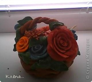 Корзиночка из остатков цветов.