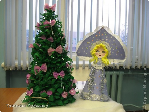 Дед Мороз ещё не готов, а Снегурочку всё же решила показать сегодня. фото 4