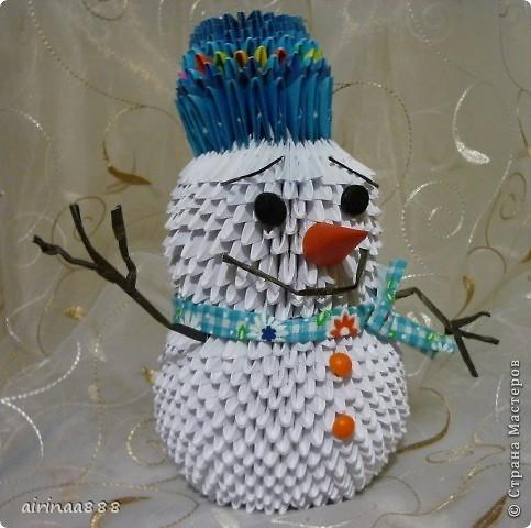 Дед Мороз с подарками под елкой фото 4