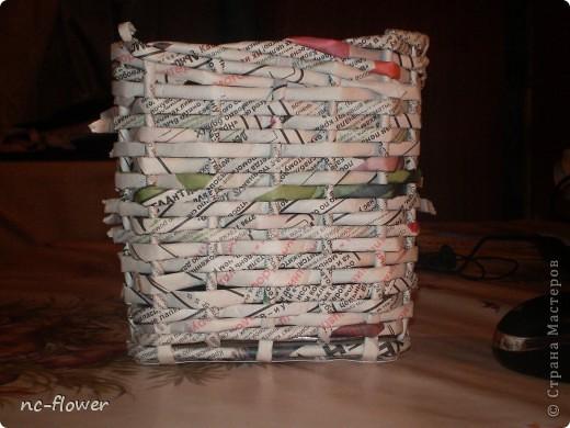 Первая плетеная корзинка из газеты
