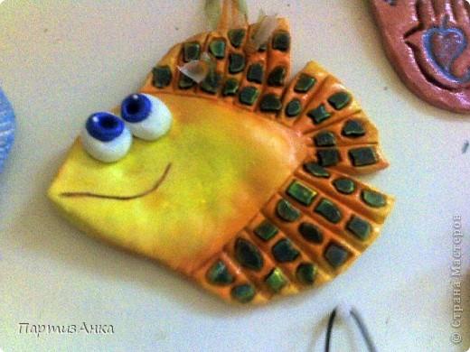 22 декабря в Хайфе, в Гранд Каньоне, состоится ярмарка работ художниц и мастериц Израиля (да не сочтут это за рекламу!). Я тоже участвую со своими рыбами, представляете?! Волнуюсь дико, и леплю-леплю-леплю:) фото 5