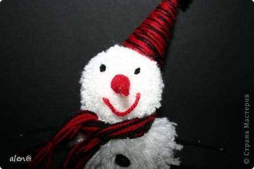 вот такой снеговичок получился из ниток. фото 3
