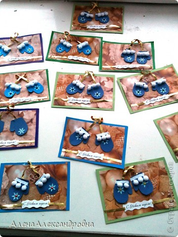 Уж очень полюбились в Стране мастеров открыточки с варежками, и мы не смогли пройти мимо.Большое спасибо за идею МК Михеевой Анне http://rus-scrap.ru/ideas/master-klass-otkryitka-rukovichki.html фото 1