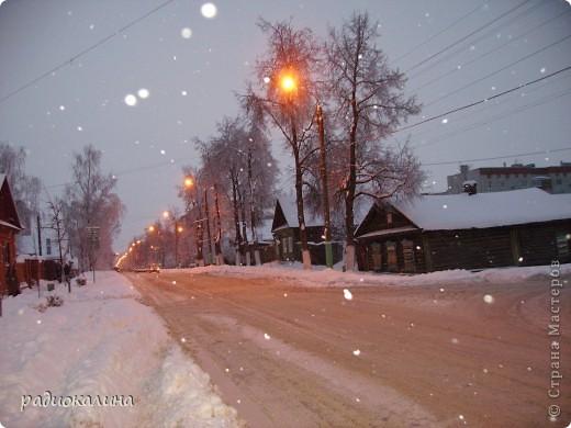 Утром мы с внучкой пошли в садик и опоздали - любовались на красавицу-зиму, которая пришла ночью и украсила все кругом. Нежный рассвет и снег . фото 8