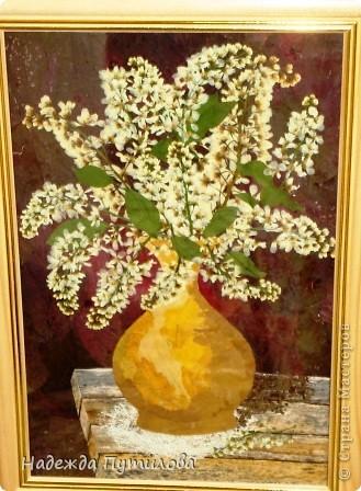 Букет черемухи.  В работе использовала лист клена, лука-батуна, таволги и соцветия черемухи.