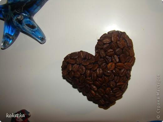 Мои первые две роботы с зернами кофе. Это дерево - сердце и сердце - магнит на холодильник.  фото 15