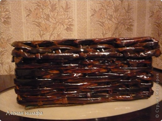 Вторая плетёная шкатулочка из газет. фото 6