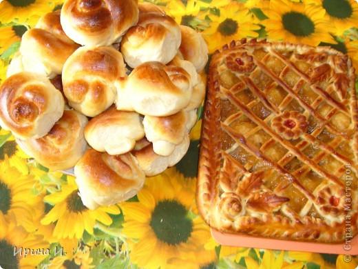 Булочки и пирог с повидлом. фото 1
