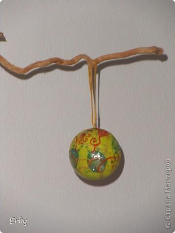 Новогодняя композиция (керамический ангел, сосновые шишки, акриловые краски, лак, держатели для салфеток, свеча, ваза с ветвями) фото 2