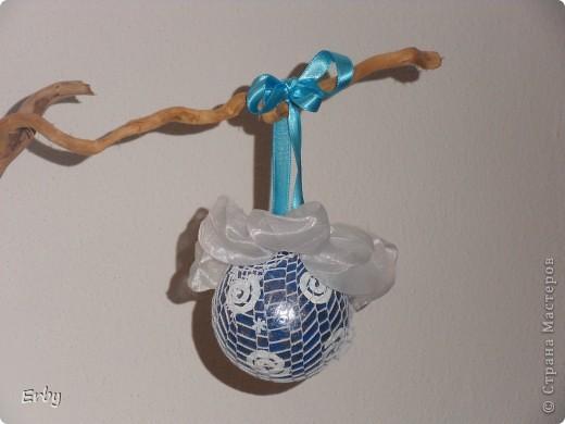 Новогодняя композиция (керамический ангел, сосновые шишки, акриловые краски, лак, держатели для салфеток, свеча, ваза с ветвями) фото 4