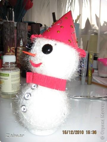 Вот такого снеговика слепила в садик сыну. фото 4