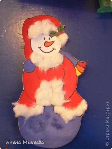 """Прочитали с детьми книгу """"Школа снеговиков"""". Вызвало прочтение книги море положительных, добрых, радостных эмоций не только у детей. Решили """"оживить"""" наших СНЕГОВИЧКОВ и СНЕГОВИЧЕК (это девочки-снеговички). фото 5"""