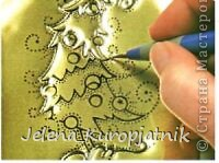 Для данной открытки вам потребуется металлическая фольга (её почему-то нет в списке материалов).  фото 3