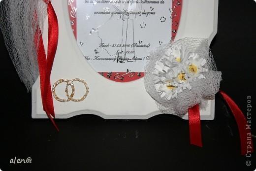 вот такую рамочку на память сделала из материала с моей свадьбы (бабочка из платочка жениха,белая ткань-с моего букета,ленточки,приглашение) фото 2