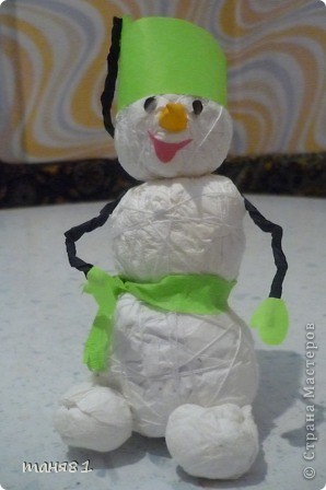 снеговичка сделали на школьный конкурс. фото 1