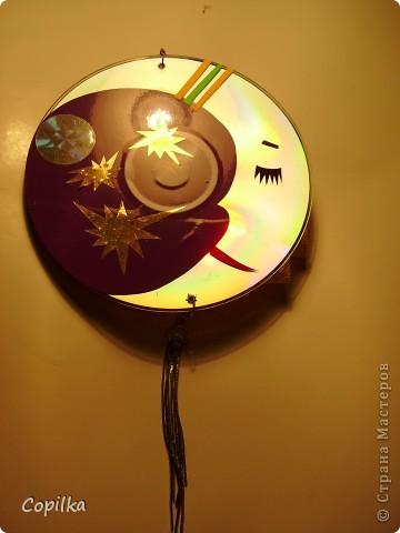 В основе-диски,украшены аппликацией из клейкой плёнки фото 2