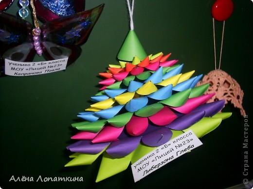 На школьной выставке поделок к Новому году. фото 7