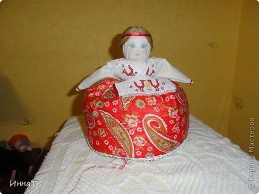 Вот, на конкурс куклы сделала народную куклу перевёртыш девка- баба, но т.к. кукла должна быть сказочным песонажем,то я назвала её Внучка- Бабка. фото 2