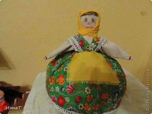 Вот, на конкурс куклы сделала народную куклу перевёртыш девка- баба, но т.к. кукла должна быть сказочным песонажем,то я назвала её Внучка- Бабка. фото 1