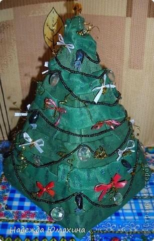 ...Или упаковка для подарка в виде ёлочки.