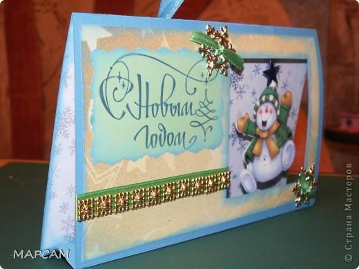 И снова, всем привет!!! От своих коробочек решила вернуться к новогодним открыткам. Очень понравилась идея  с открыткой домиком - и быстро делается и интересно, и симпатично. Первая открытка у меня  со снеговиком, фото 3