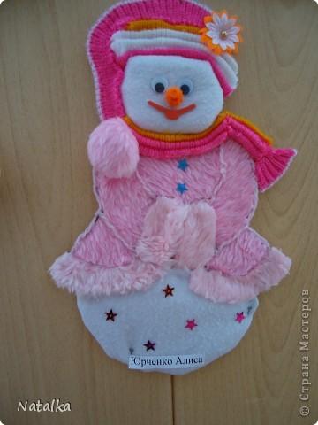 """Детишки, с помощью родителей, """"наряжали"""" снеговиков и их подружек. Снеговиками украсили весь наш класс. фото 10"""