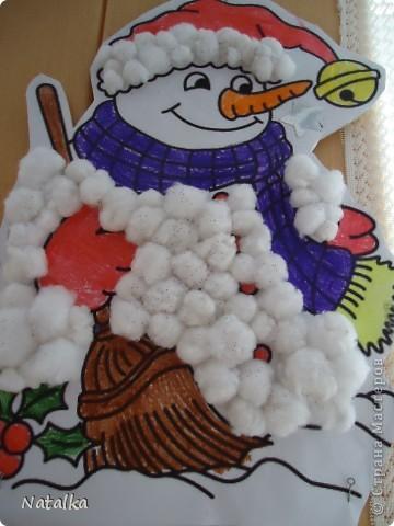 """Детишки, с помощью родителей, """"наряжали"""" снеговиков и их подружек. Снеговиками украсили весь наш класс. фото 12"""