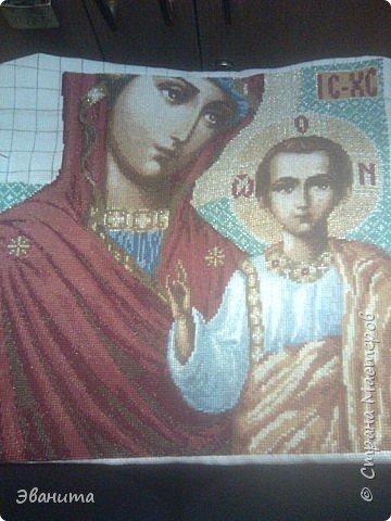 Икона Казанской Божьей Матери. Только сейчас выкладываю готовый вариант в рамке,хотя она несколько лет как подарена родителям. фото 10