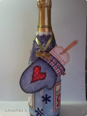 В стиле декупаж я уже наделала бутылок, но захотелось попробовать заскрапить ... фото 3