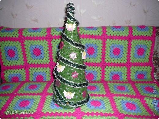 Рождественский венок. Украшен лентами, пайетками, фигурками из соленого теста. фото 3