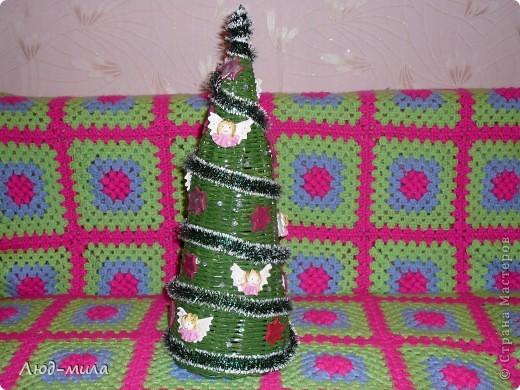 Рождественский венок. Украшен лентами, пайетками, фигурками из соленого теста. фото 4